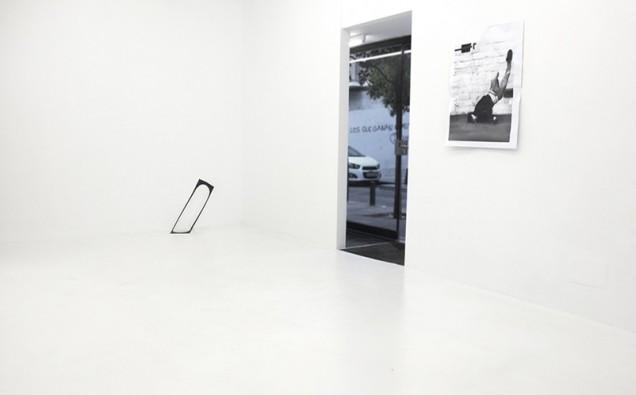 Vista-galeria-Louis-21-con-After-a-hippie-jump-de-Ian-Waelder-lvú