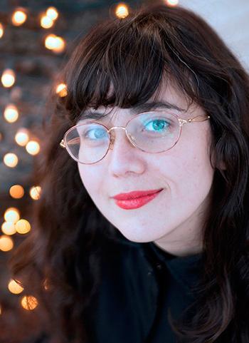 """Ana Llurba, ganadora del I Premio de Poesía Joven """"Antonio Colinas""""."""