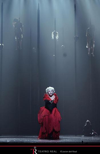 Los empalados, la escena más sugerente del montaje de Alessandro Talevi.