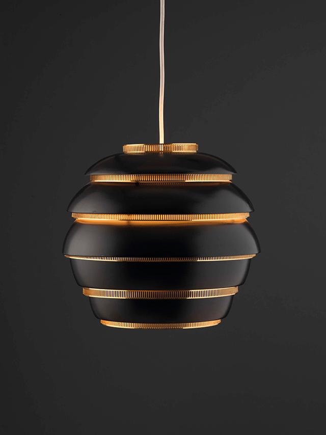 lampara-colgante-a331-colmena-alvar-aalto-1953-c-vitra-design-museum-foto-andreas-jung-vegap-barcelona-2015