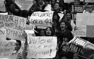 Protestas por Ayotzinapa, según la lente de Santiago Arau Pontones